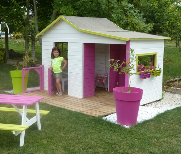 La maisonnette en bois gaby le best seller cabane for Cabane enfant interieur